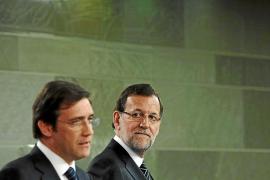Rajoy pide a los barones «no tirarse los trastos a la cabeza por el déficit»