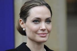 Angelina Jolie se somete a una doble mastectomía para prevenir el cáncer