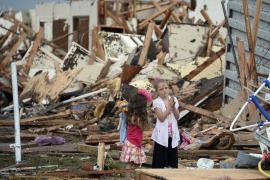 Las autoridades de Oklahoma reducen a 24 la cifra de muertos confirmados tras el tornado
