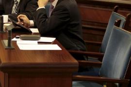 El Govern «estudia» las medidas a tomar tras las sentencias que anulan los despidos públicos