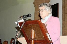 Margalida Tous pronuncia el pregón del Mercat Medieval de Capdepera