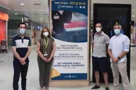 El Consell de Ibiza renueva la cartelería del transporte público en el aeropuerto