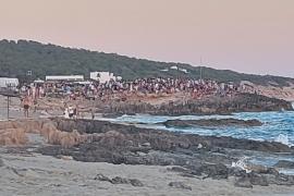 Las aglomeraciones por la puesta de sol en Formentera se trasladan a Migjorn