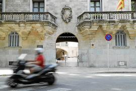 Piden 19 años de cárcel a un hombre por abusos a su hijastra en Mallorca