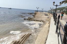 ¿A qué se debe la espuma surgida en una playa de Santa Eulària?