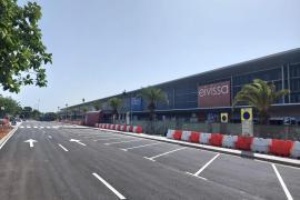 El aeropuerto de Ibiza recupera la zona 'kiss and fly' frente a la terminal