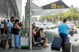 Entre el pasado viernes y hoy se operarán en Ibiza 1.498 vuelos, el 61,9% de ellos internacionales
