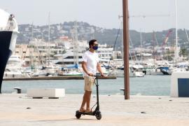 Denunciados 71 conductores de patinetes eléctricos en Ibiza