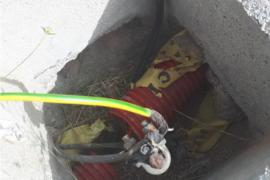 El Consell denuncia el robo de cableado de alumbrado público que afecta a la carretera de Santa Eulària