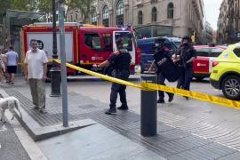 Desalojo de un céntrico hotel tras una explosión en Barcelona