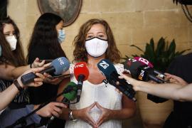 Armengol asegura que trabajan para mejorar la calidad de atención de los migrantes que llegan a Baleares