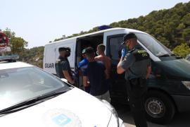 La policía desmiente a Marlaska y denuncia falta de medios para atender a los migrantes