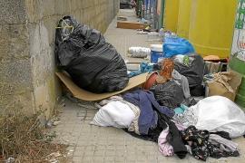 Plan de choque en Felanitx para frenar el descontrol de residuos abandonados en la vía
