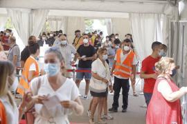 El Govern aclara un mensaje viral que alerta de la caducidad de miles de vacunas en Baleares