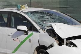 Un joven muere al ser arrollado cuando cruzaba temerariamente la carretera del aeropuerto de Ibiza