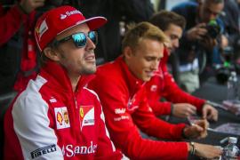 """Alonso: """"Necesitamos cuatro o cinco carreras seguidas acabando en el podio"""""""