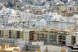 La Pimeef, a favor de regularizar el alquiler de pisos a turistas para evitar más economía sumergida