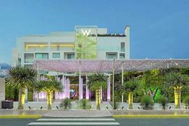 La magia de la luna llena en W Ibiza Hotel, en Santa Eulària