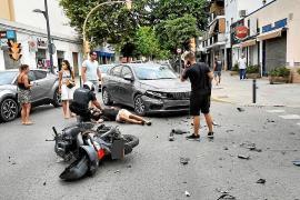 Herido un motorista que fue embestido por un coche que realizó un giro irregular en Vila