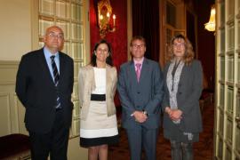 Entrega de la Medalla d'Honor del Parlament a Montserrat Casas a título póstumo.