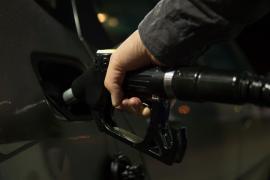 La subida de los carburantes, otro escollo para las familias