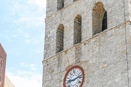 El reloj de la catedral de Ibiza sólo marca bien la hora dos veces al día