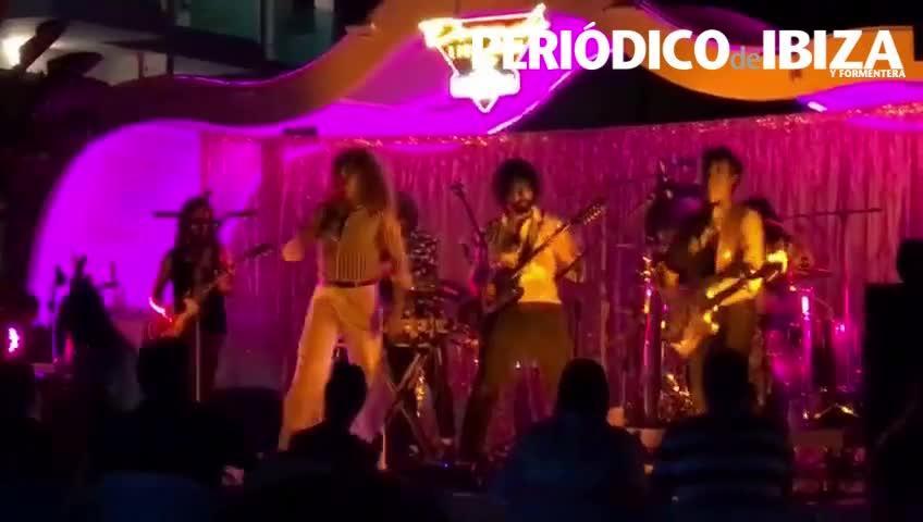 Descarga de rock psicodélico en Santos Ibiza con Derby Motoreta's Burrito Kachimba