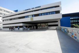 Cuatro meses de espera para consultas externas en Can Misses y seis meses para una operación