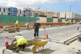 Vila amplía aceras y suprime plazas de aparcamiento