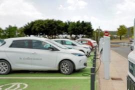 Híbridos y eléctricos suman el 17,8 % de las matriculaciones en Ibiza hasta julio