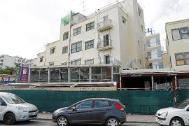 Los propietarios de los bares apuntalados de Sant Antoni esperan poder abrir «hoy mismo»