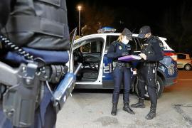 Salvan de morir desangrado en Palma a un hombre con un cuchillo clavado en el abdomen