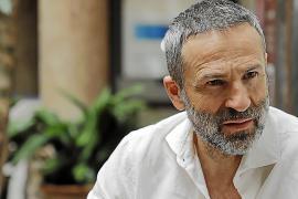 Gustavo Salmerón: «Una buena cinta ha de atraparte y hacerte reflexionar»