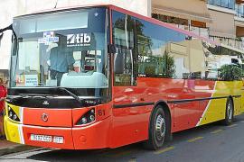 El Consell y el Ayuntamiento de Sant Josep, enfrentados por el servicio de autobuses
