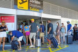 El tráfico de pasajeros en el aeropuerto de Ibiza cae un 26,1% en agosto