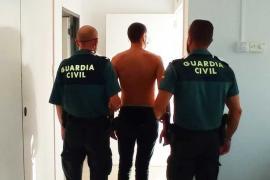 El joven colombiano cazado con 35 gramos de cocaína rosa y drogado al volante, en libertad