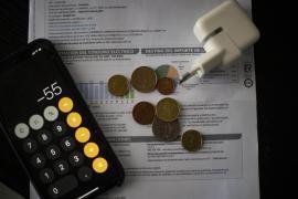 El Consejo de Ministros aprueba nuevas medidas para amortiguar el impacto del precio de la luz