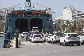 Formentera no descarta reducir el cupo de coches que puedan entrar a la isla