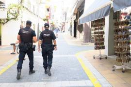 Detenido un ladrón reincidente cazado in fraganti robando un bolso en Sant Antoni