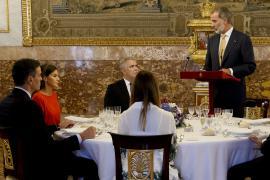 El rey elogia a Colombia por su «admirable» acogida de refugiados venezolanos