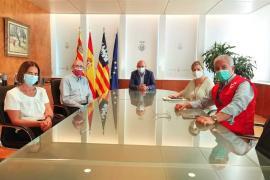 El coordinador general de Cruz Roja España visita Ibiza