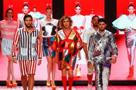 Omar Montes y Gianmarco Onestini desfilan para Ágatha Ruiz de la Prada en la Fashion Week de Madrid