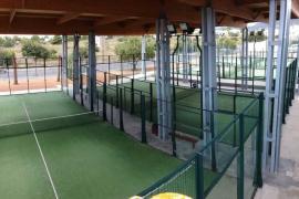 Vila renueva las pistas de pádel de Es Viver