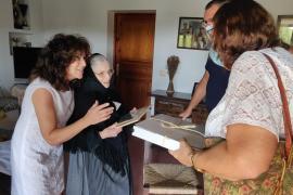 La última vecina de Sant Josep que viste de pagesa cumple 100 años