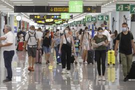 El Reino Unido elimina el semáforo para los viajes y dejará de exigir un test previo