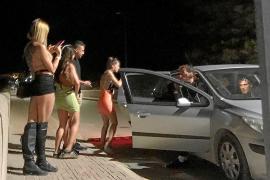 El sórdido negocio de las fiestas ilegales en villas