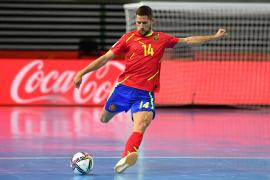 España sufre para avanzar