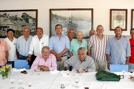 Almuerzo en honor del jefe de la base naval de Sóller, Francisco Arenas