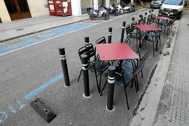 Las terrazas en aparcamientos continuarán como mínimo hasta enero