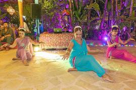 Las noches de Bollywood en Curry Club, en Sant Antoni, el gran éxito del verano